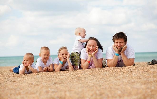 Дополнительный выходной день многодетным родителям в России