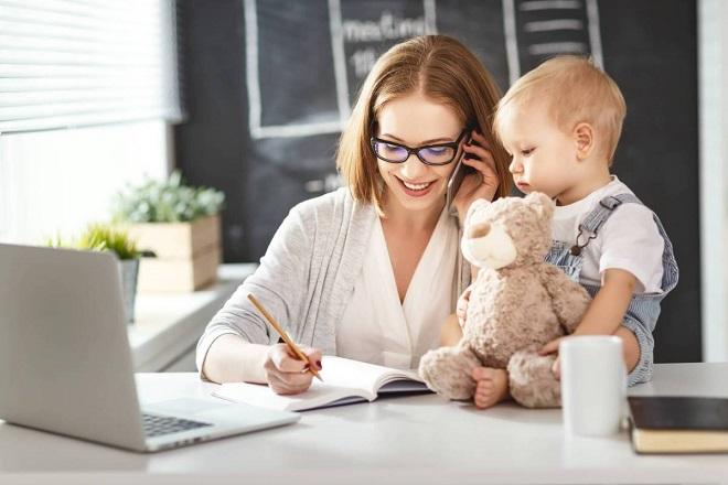 Уволить многодетную мать с работы: могут ли это сделать и по каким причинам?