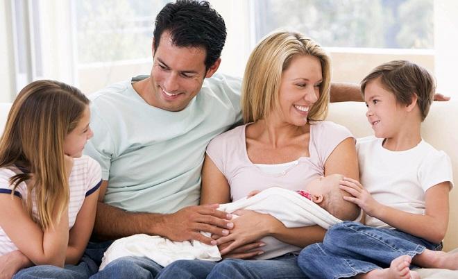 Какие выплаты и пособия положены при рождении третьего ребенка