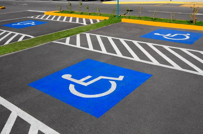 Платные и бесплатные парковки для инвалидов в Москве
